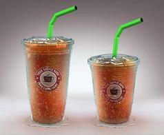 橙色加冰饮品透明大小两杯正面展示